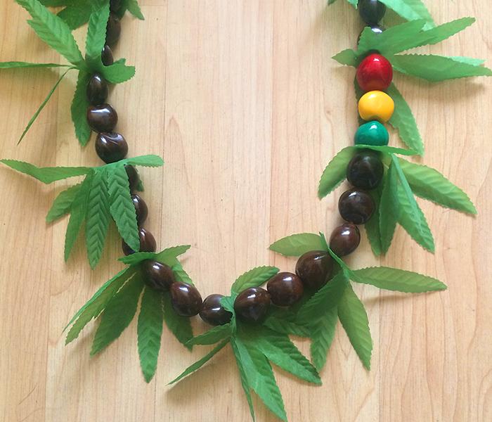greensbrand-kukui-beads-Rasta-closeup